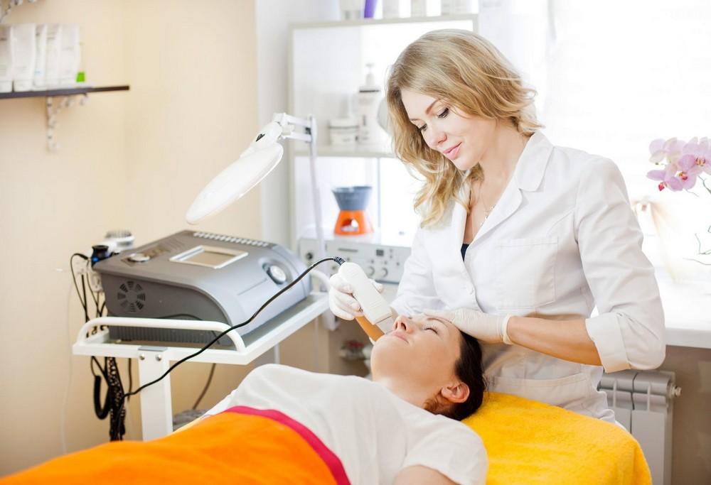 Дерматокосметолог или врач-косметолог